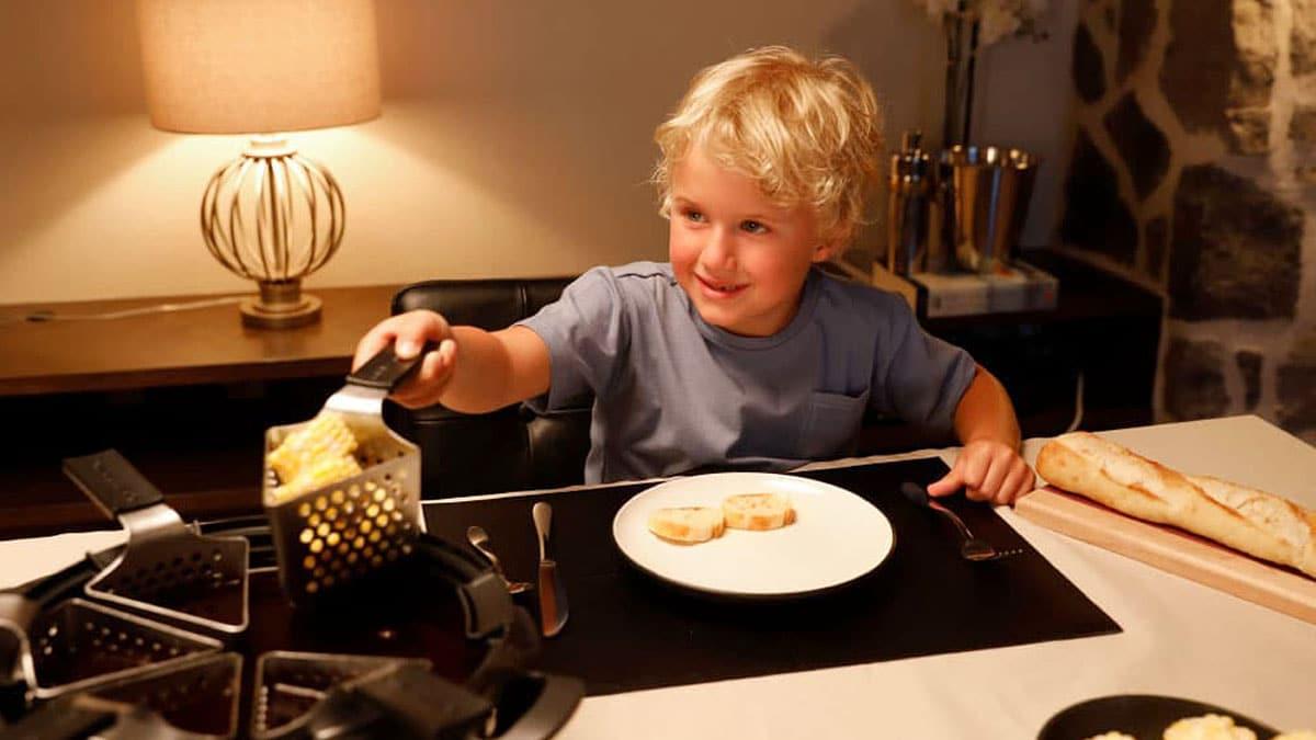 Help your children enjoy fondue (finally)